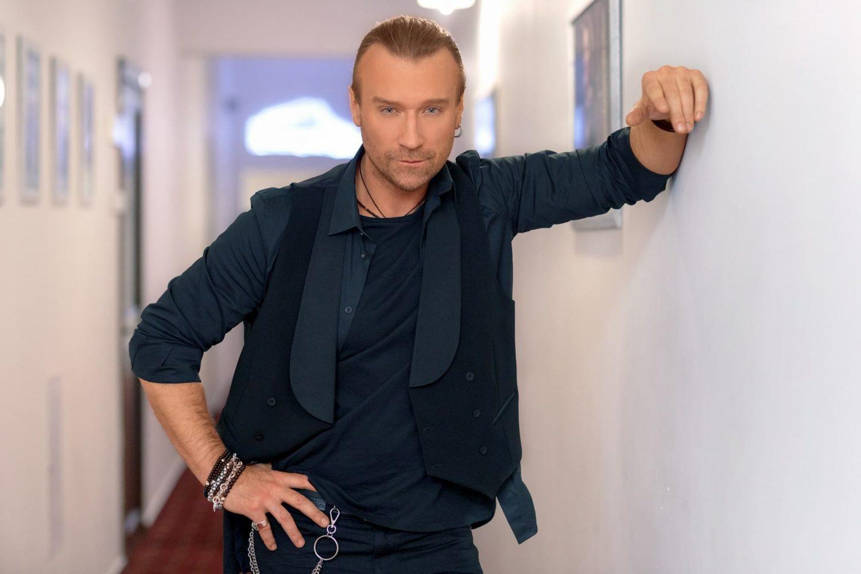 Кумир багатьох, співак Олег  Винник