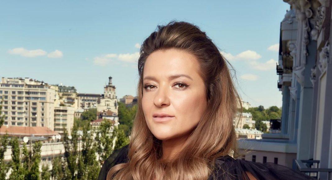 Ще недавно така елегантна Наталя Могилевська