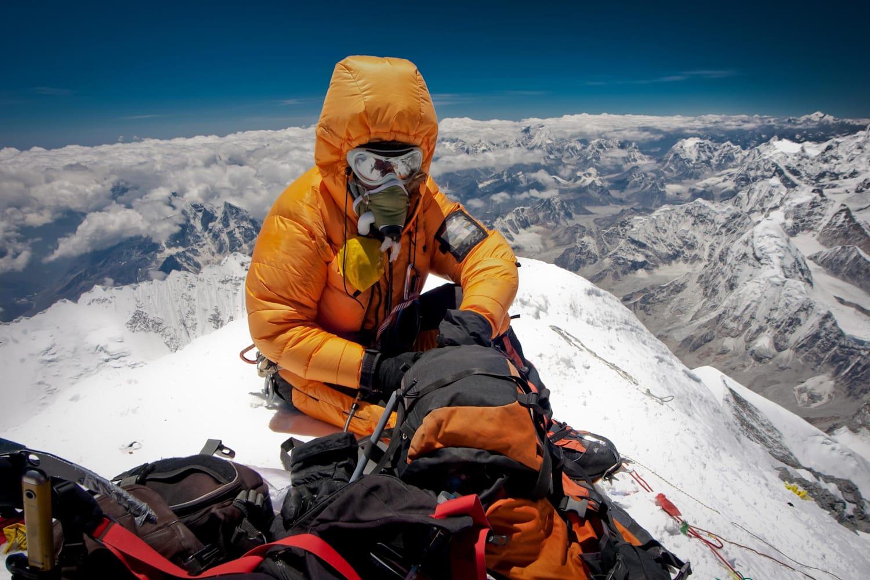 Альпініст, що піднімається на Еверест