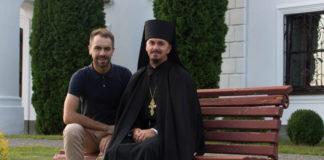 Ієромонах Макарій Дутка при служінні