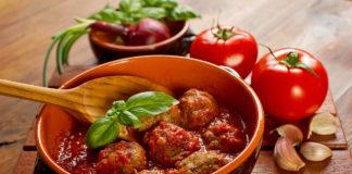 Тефтелі в томатному соусі рецепт