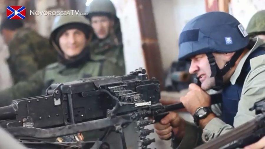 Пореченков стріляє в українських солдатів