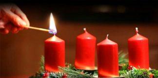 Адвентовий вінок. Чотири свічки символізують чотири тижні посту