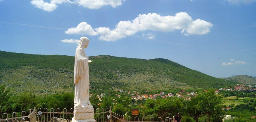 Меджугор'є, місце об'явлення Пресвятої Діви Марії