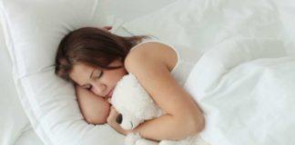 Як обрати подушку для сну