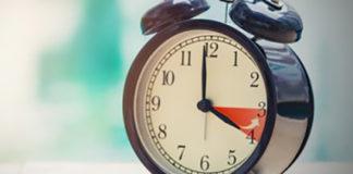 Коли переводити годинник