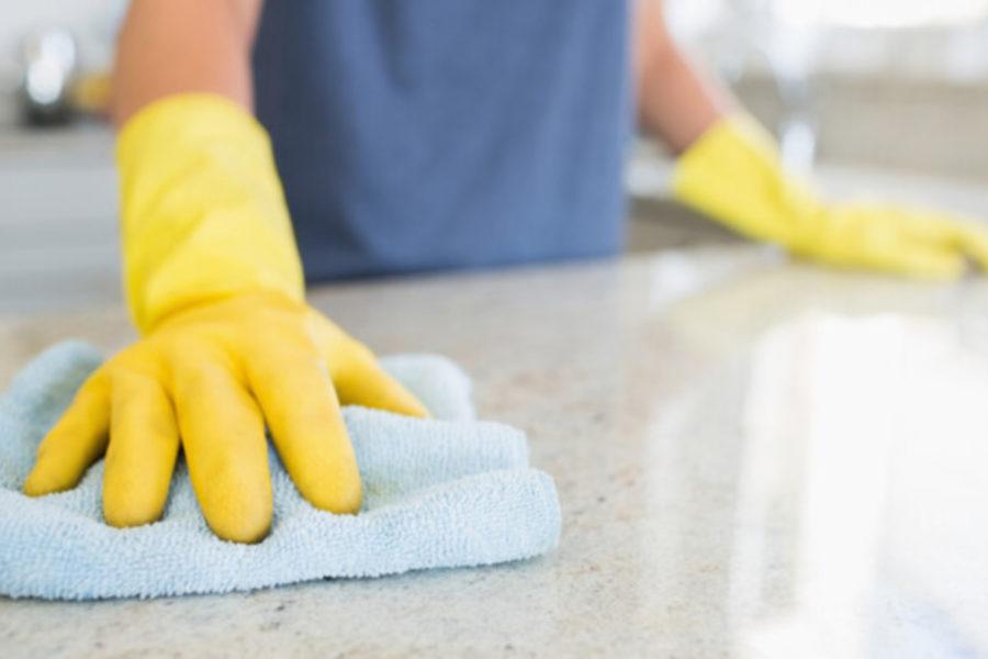 Які речі небезпечні для прибирання?