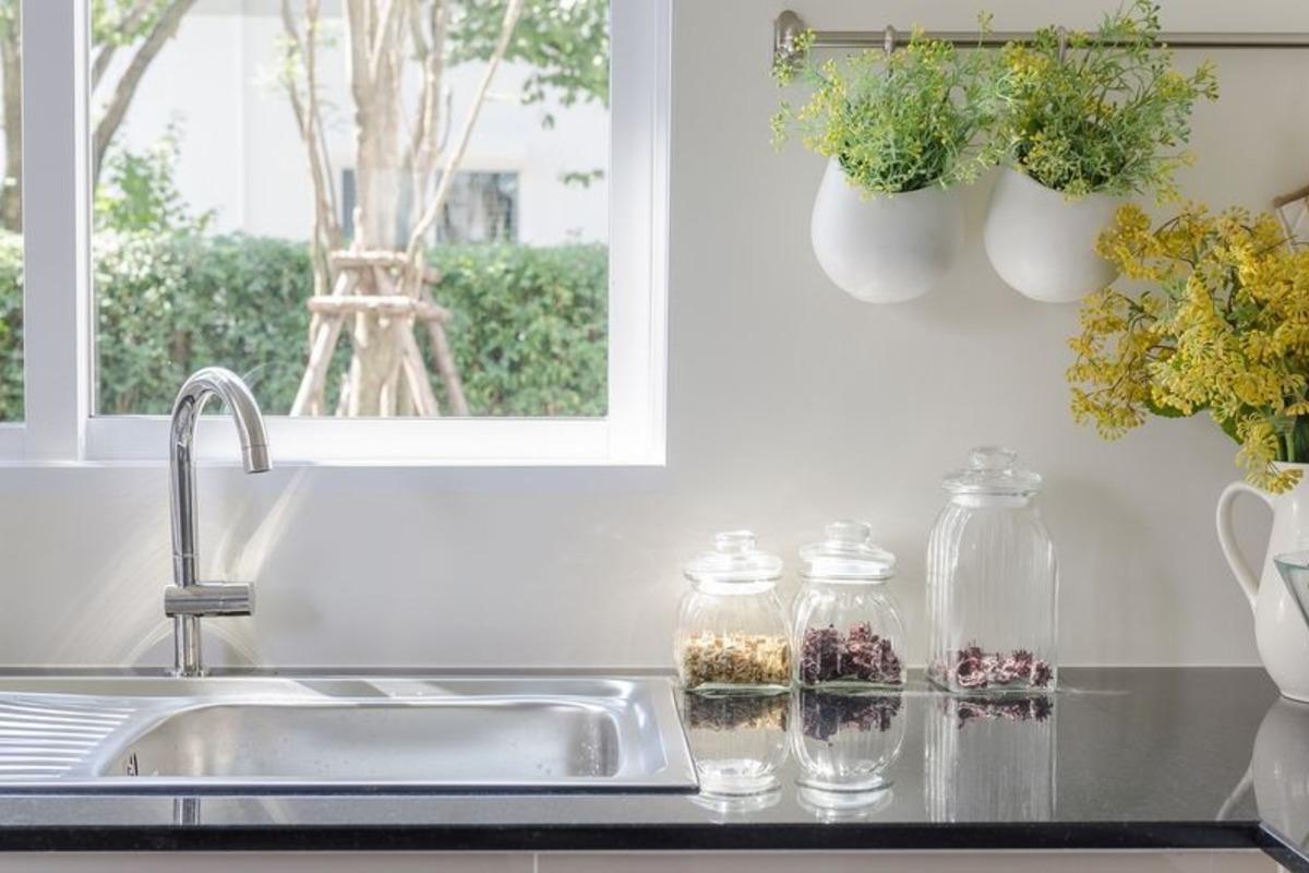 Правильне зберігання речей на кухні