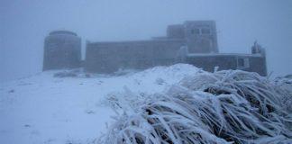 На горі Піп Іван Чорногірський випав сніг