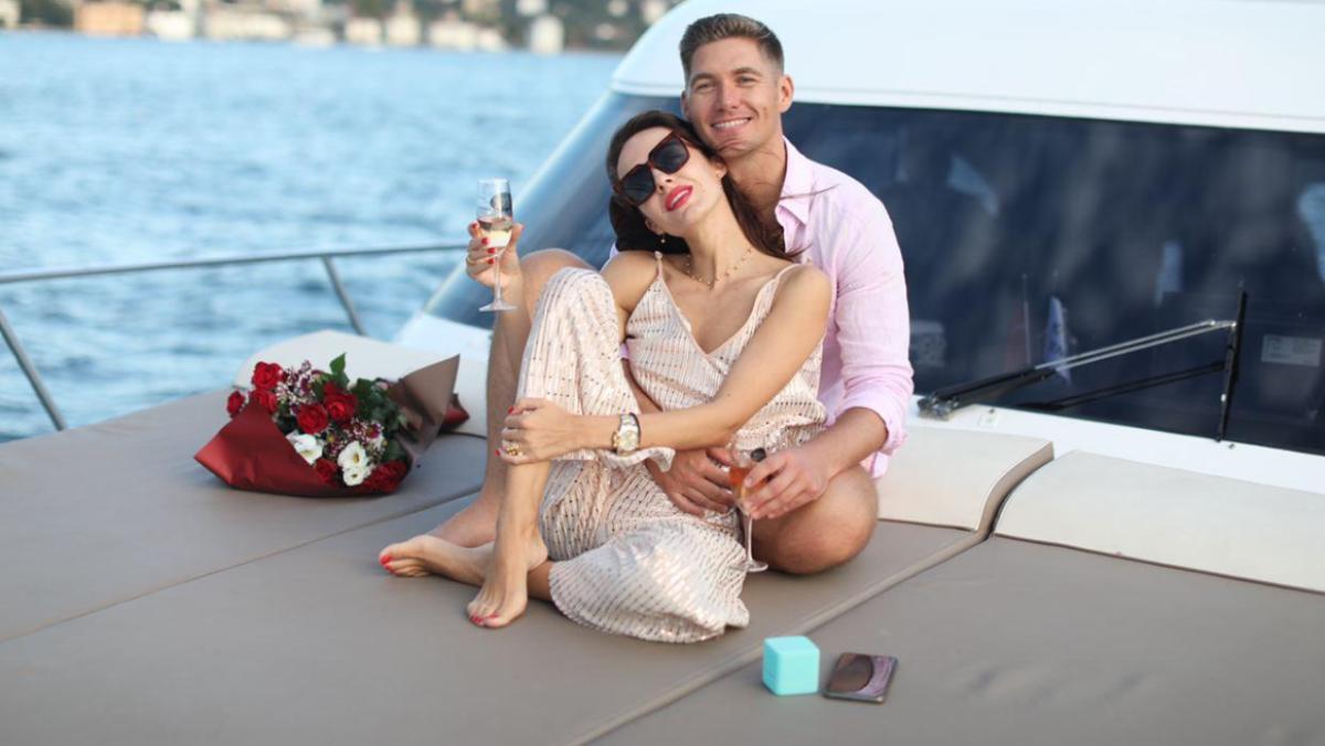 Володимир і Христина Остапчуки насолоджуються спільним проведенням часу