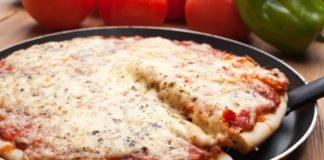 Піца на сковороді за 5 хвилин