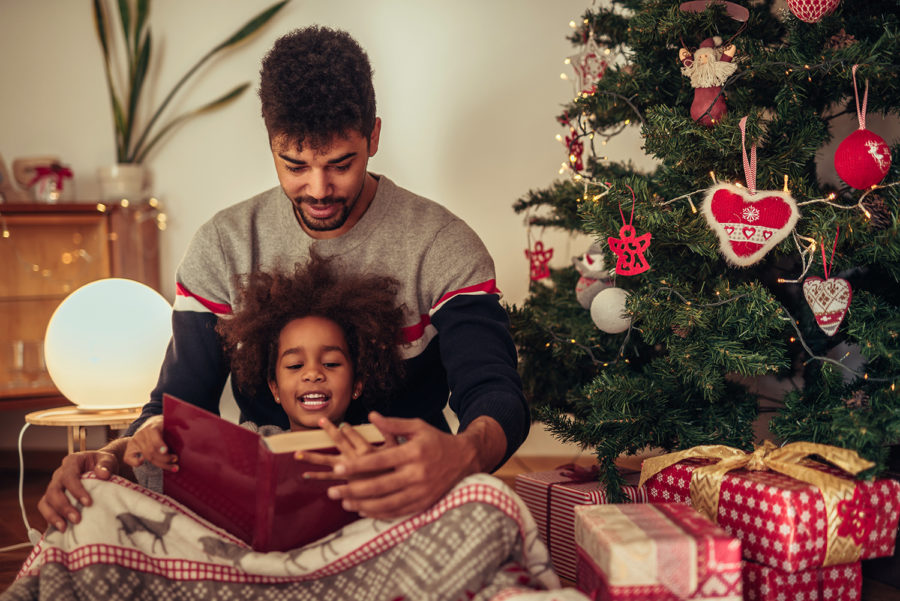 Читання різдвяних історій
