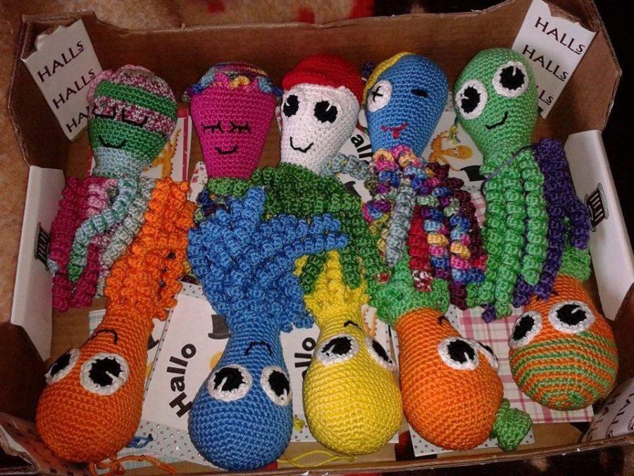 Іграшки-восьминіжки для недоношених немовлят