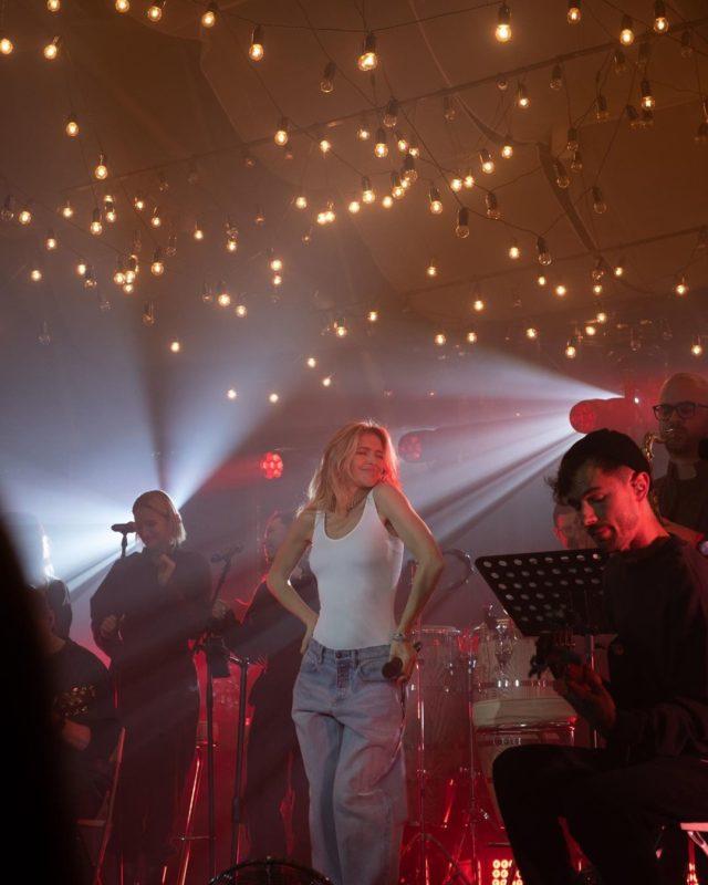 Віра Брежнєва показа, як проходить її концерт