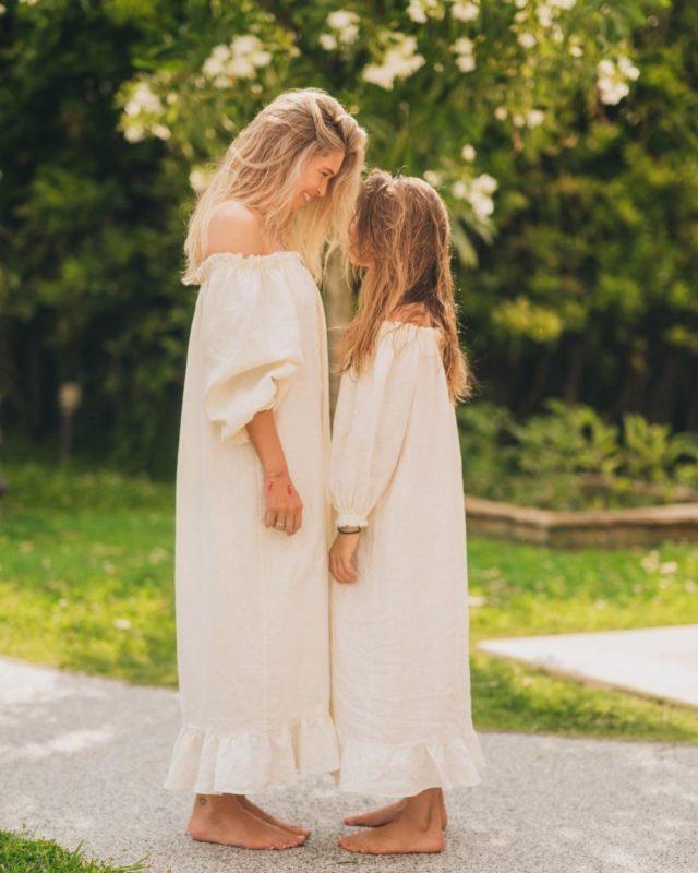 Неймовірні Віра і Сара в однакових сукнях