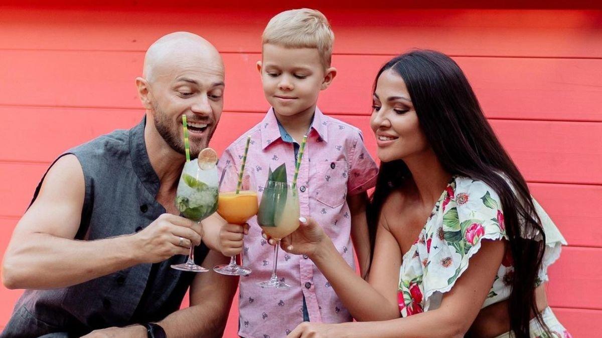 Влад Яма з дружиною та сином вирушили на інший край світу