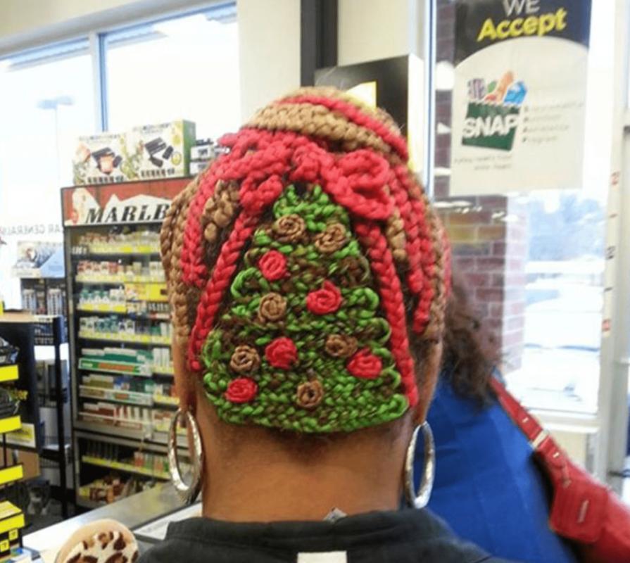 Навіть зачіска в дусі Різдва