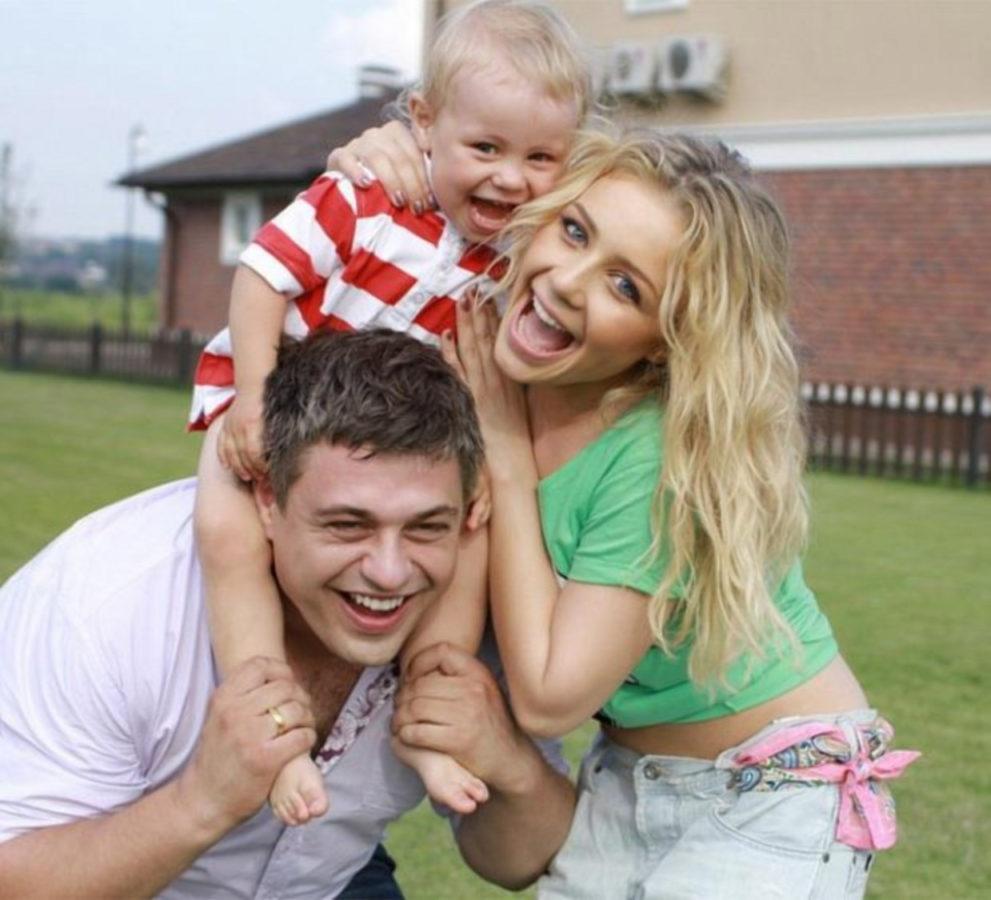 Тіна Кароль з чоловіком і сином