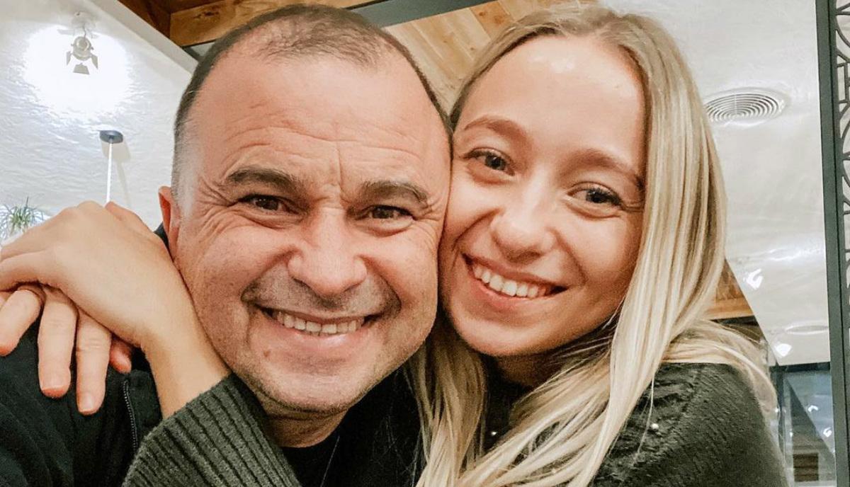 Віктор Павлік з коханою жінкою