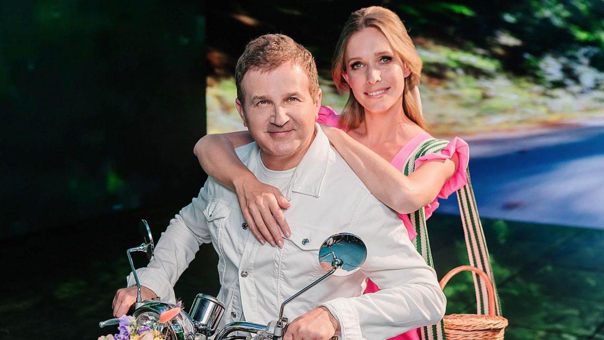 Катерина Осадча та Юрій Горбунов святкують лляне весілля