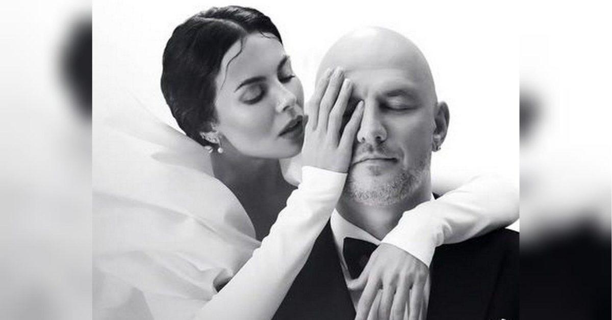 Настя Каменських знов стала нареченою та одягнула весільну сукню