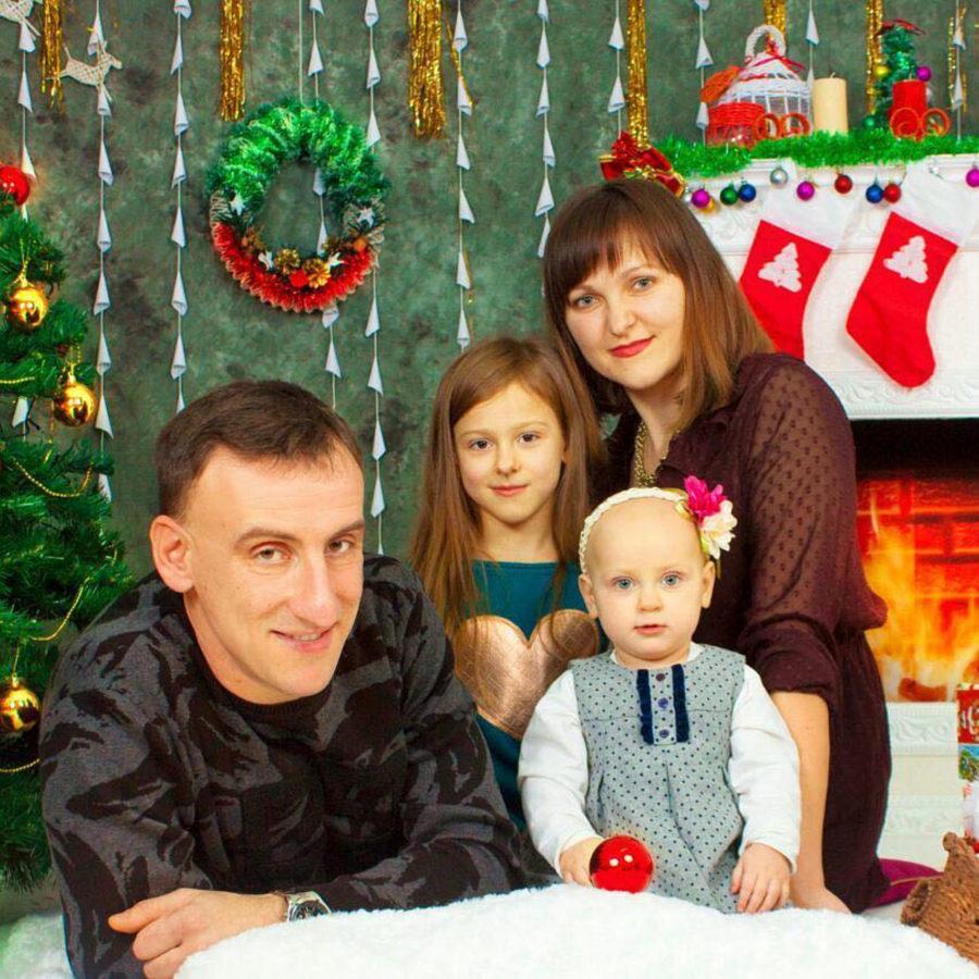 Брат Лесі Нікітюк з родиною