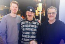 Володимир Прєсняков з родиною Звичайні Борі уборку