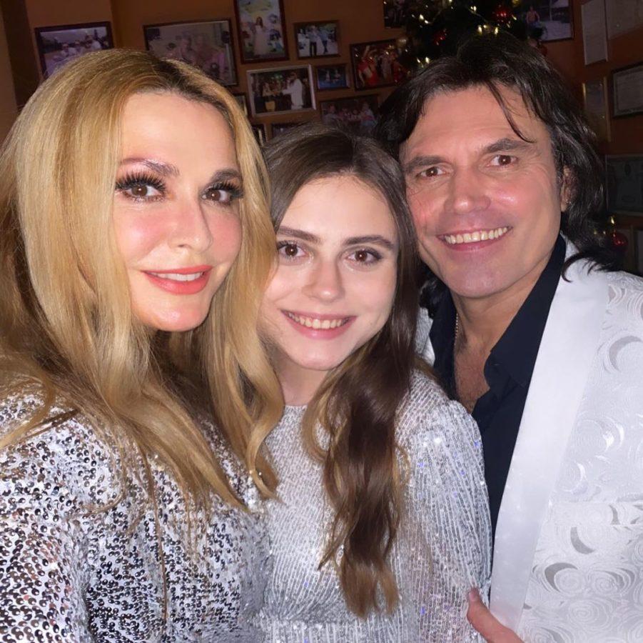 Ольга Сумська та Віталій Борисюк зі своєю донькою Анною