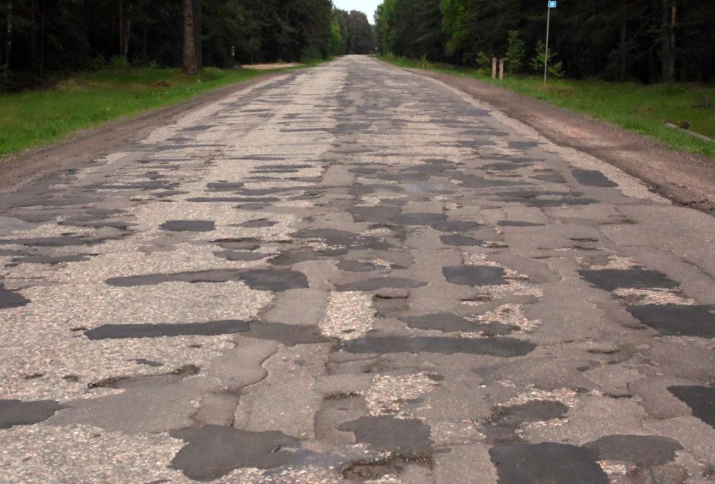 Українські дороги знаходяться у жахливому стані