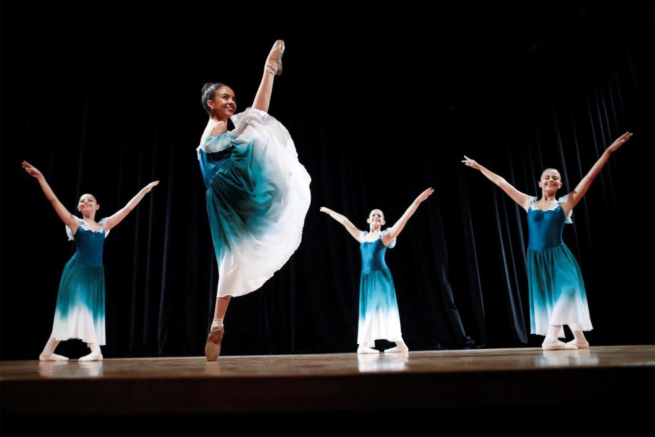 Бразильська балерина танцює без рук