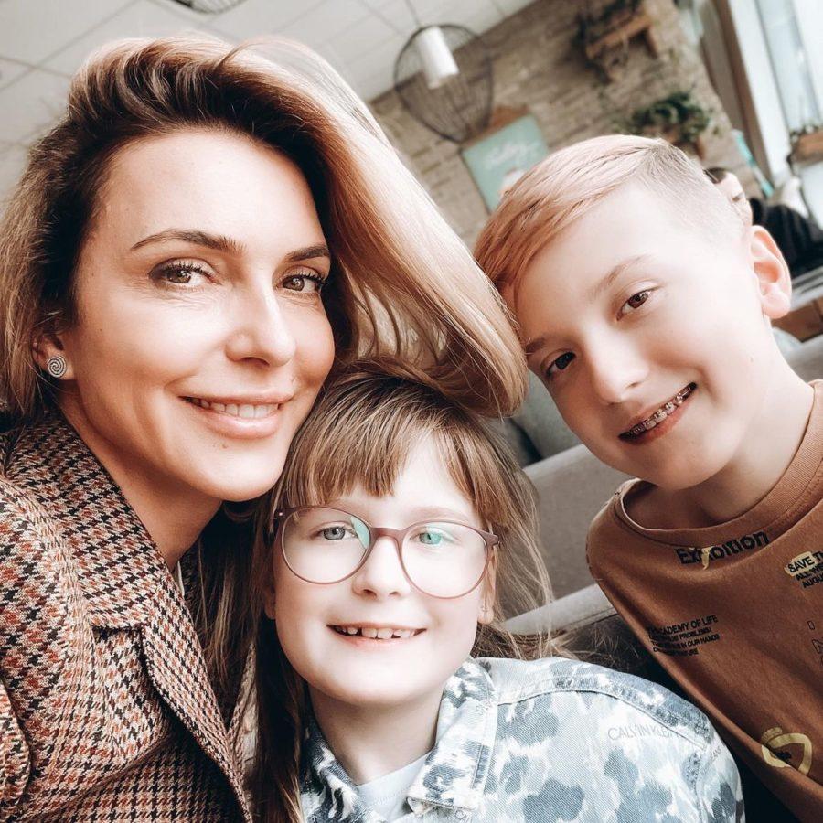 Марина Боржемська з дітьми від Узелкова
