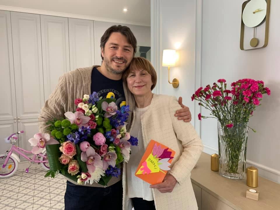 Сергій Притула з мамою