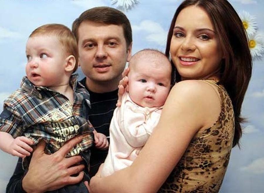 Лілія Подкопаєва з першим чоловіком Тимофієм Нагорним та їх дітьми