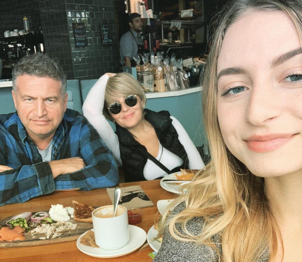 Леонід Агутін та Анжеліка Варум з дорослою донькою