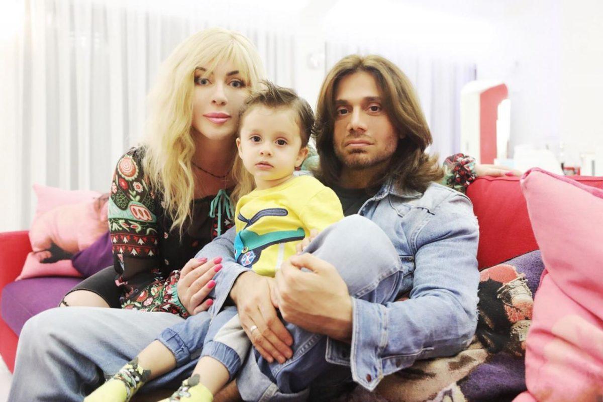 Ірина Білик і Аслан Ахмадов з сином Табрізом