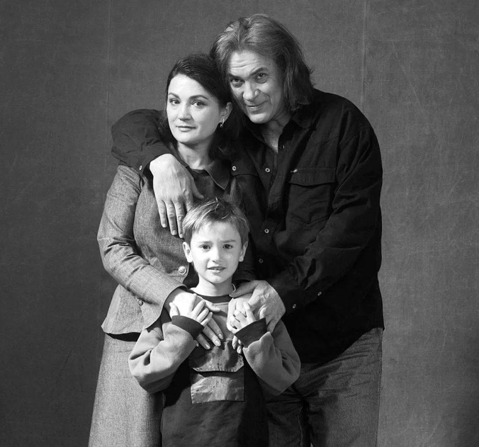 Наталія Сумська та Анатолій Хостікоєв з сином