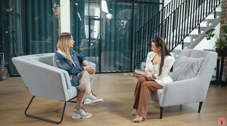 Юла на інтерв'ю у Олицької
