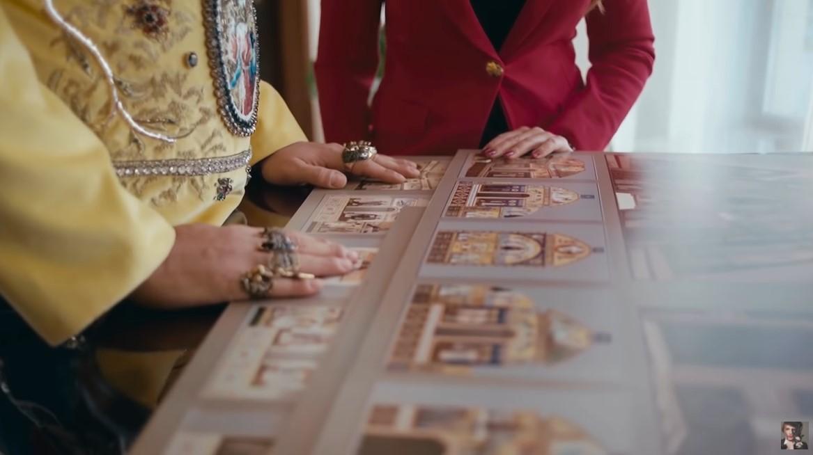 Філіп Кіркоров та Оксана Марченко розглядають проекти домашнього храму поп-короля