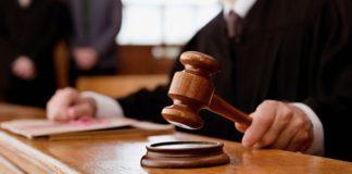 Суд постановив повернути дітей
