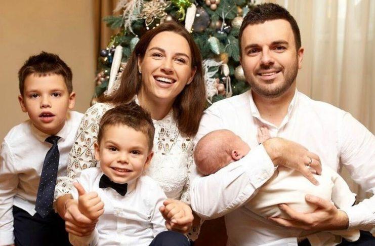 Григорій Решетник з родиною