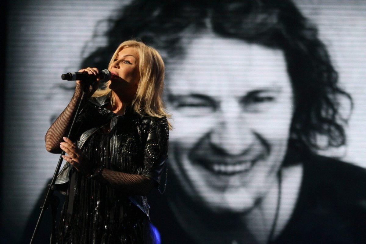 Ірина Білик на концерті, присвяченому пам'яті загиблого Кузьми Скрябіна