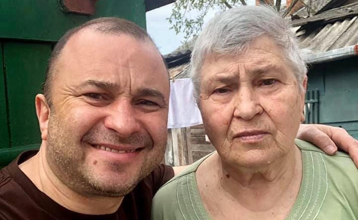 Віктор Павлік зі своєю мамою