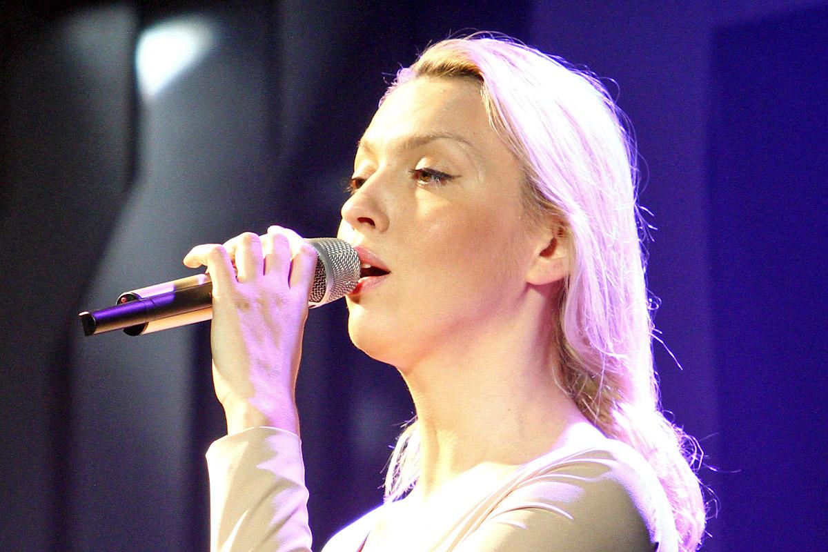 Оля Полякова раніше