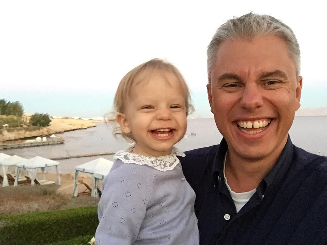 Андрій Доманський з наймолодшою дочкою Вірою