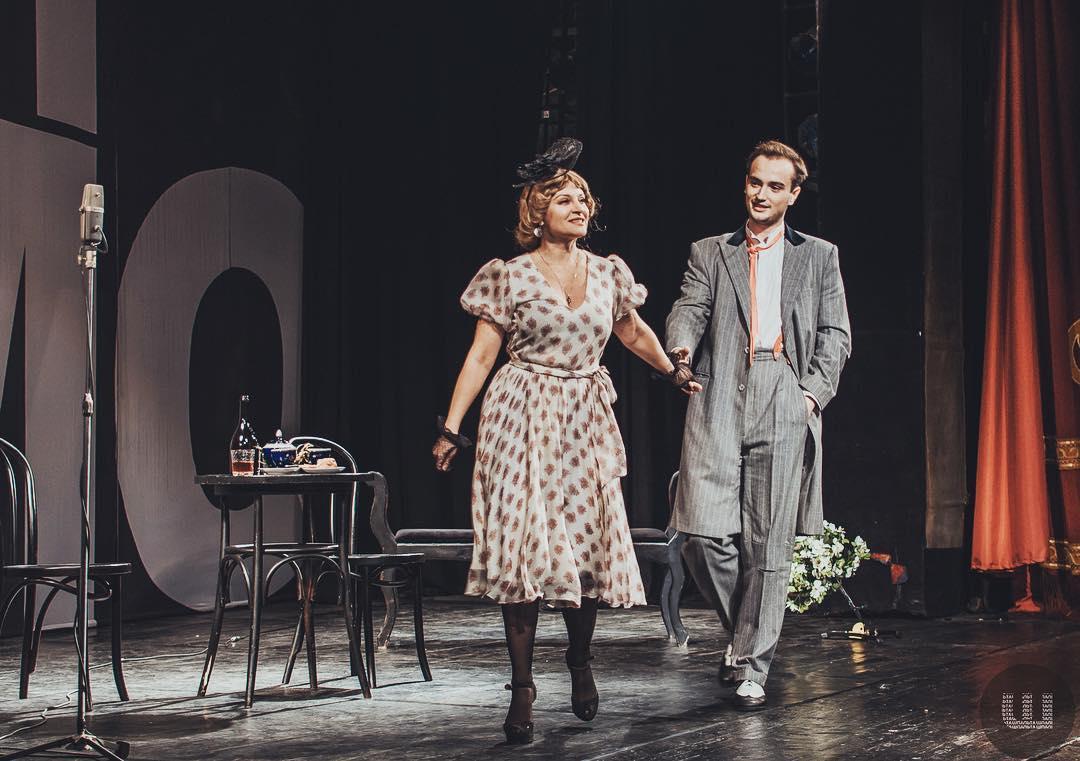 Наталія Сумська разом з сином В'ячеславом на сцені театру