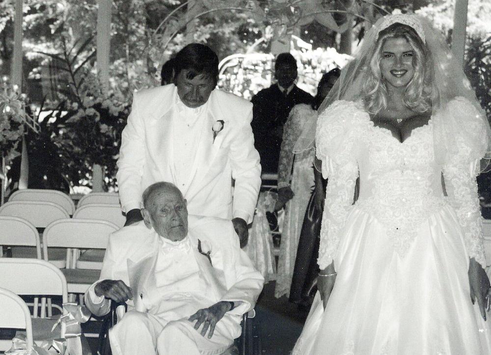 Весілля Джеймса Говарда Маршала та Анни Ніколь Сміт