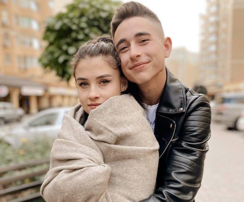 Роман Сасанчин зі своєю дівчиною Іванною