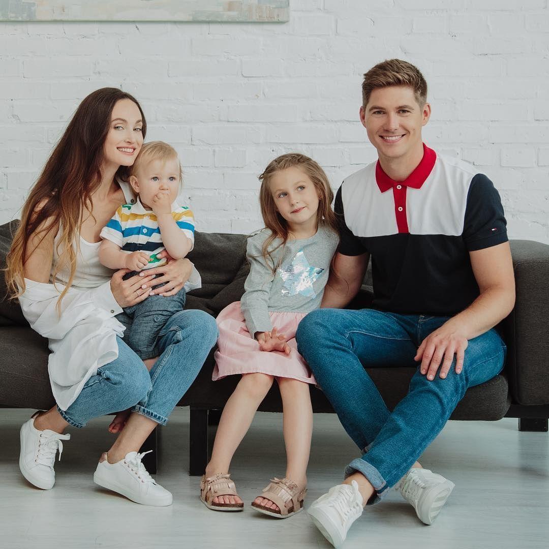 Олена Войченко і Володимир Остапчук з дітьми