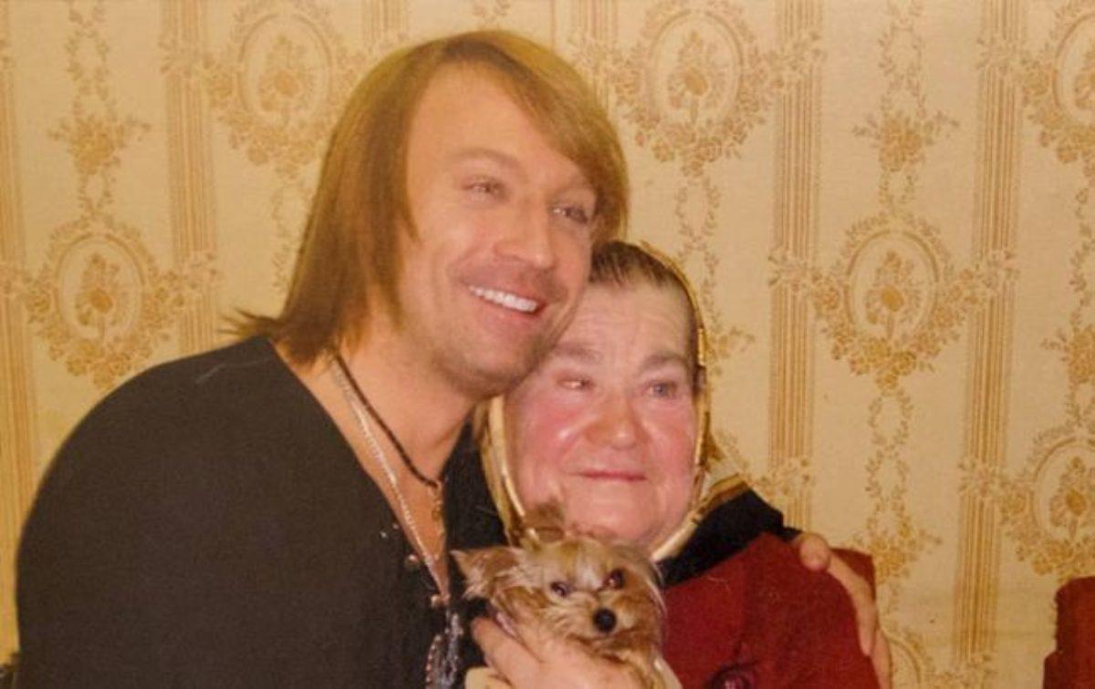 Олег Винник з мамою Ганною Яківною