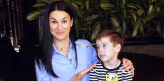 Маша Єфросиніна з сином